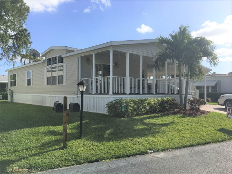4045 3rd Ct,Lake Worth,Florida 33462,3 Bedrooms Bedrooms,2 BathroomsBathrooms,Mobile Homes,Maralago Cay,3rd Ct,1117