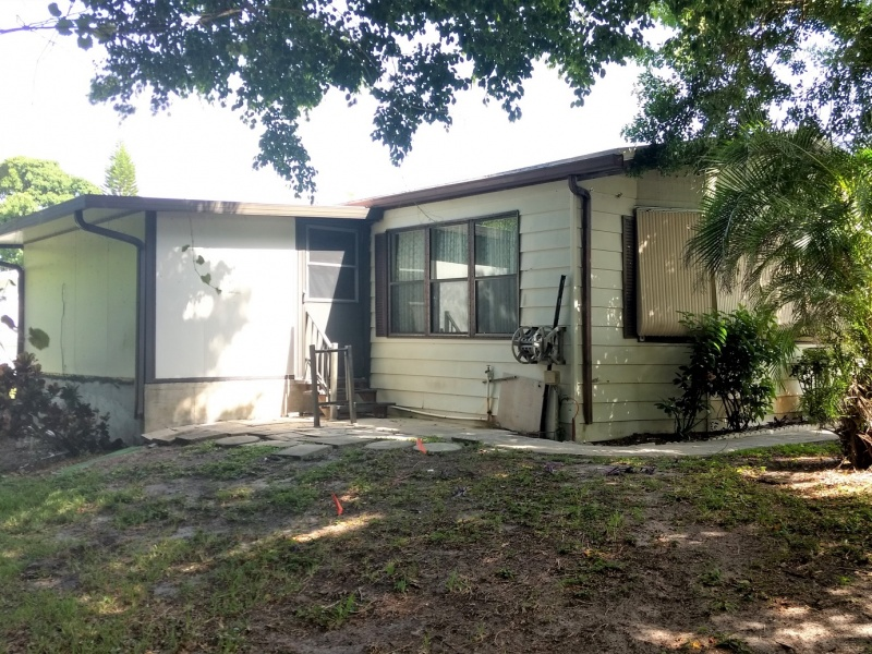 2555 PGA Blvd,Palm Beach Gardens,Florida 33410,2 Bedrooms Bedrooms,2 BathroomsBathrooms,Mobile Homes,The Meadows Florida,PGA Blvd,1056